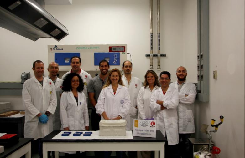 NATO team with the Experiment containers ready for the Space Alessandro Mariani (Kayser Italia srl, Livorno), Luca Serafini (Kayser Italia srl, Livorno), Fabio Creati (Kayser Italia srl, Livorno), Derek Duflo (Nasa, KSC, Cape Canaveral, Florida, USA), Marco Vukich (Kayser Italia srl, Livorno), Barbara Pascucci (CNR-IC, Roma), e Francesco Cristofaro (Università di Pavia, Pavia); Giuseppina Rea (CNR-IC, Roma), Livia Visai (Università di Pavia, Pavia), Giuseppe Pani (Università di Milano, Milano)